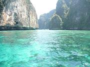 .Phi Phi Island Tour