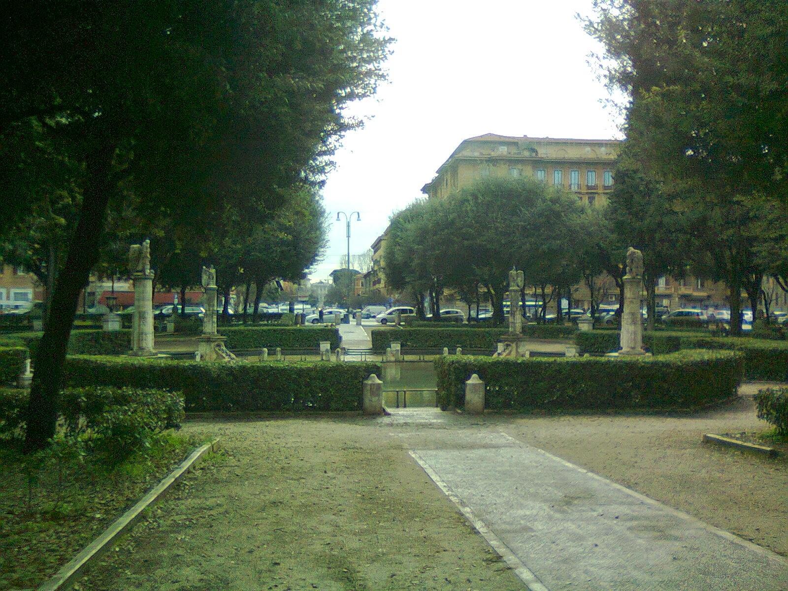 In bici per roma e 39 partito il restauro di piazza mazzini for Architetto giardini roma