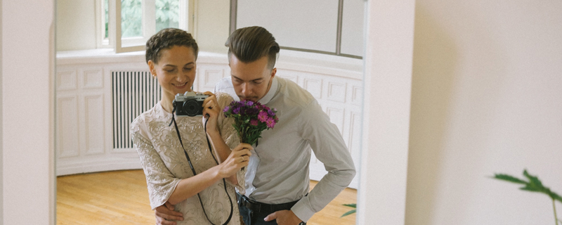 Liisa Luts hace de fotógrafa en su boda