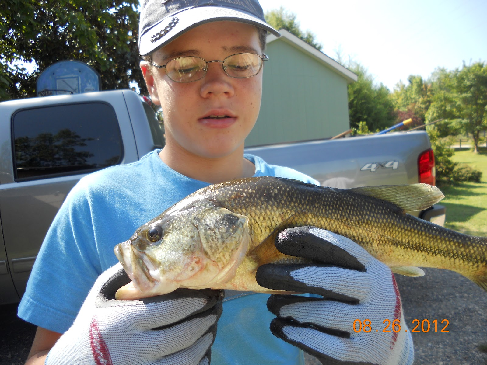 Charlotte 39 s web sorry charlie for Bass fishing yard sale