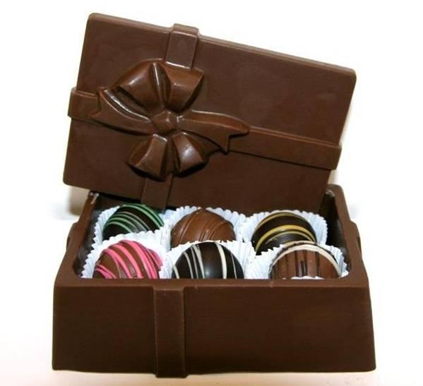 علب وأكواب من الشوكولاته تؤكل image018-789393.jpg