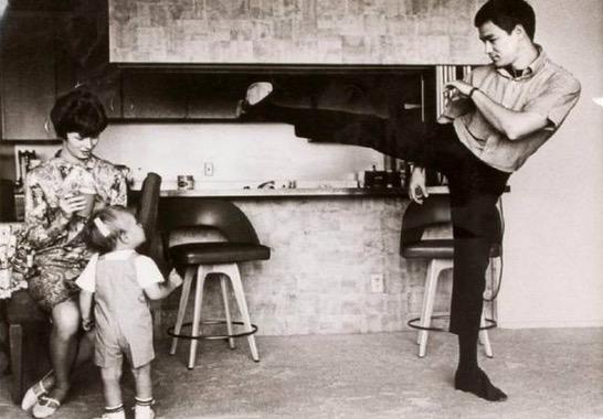 Sisi Kehidupan Lain Lagenda Kungfu Terkenal Bruce Lee