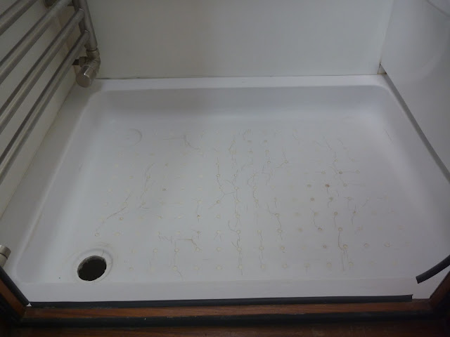 Preparing CAK Tanks Thetford C400 type shower tray for fibreglass repairs