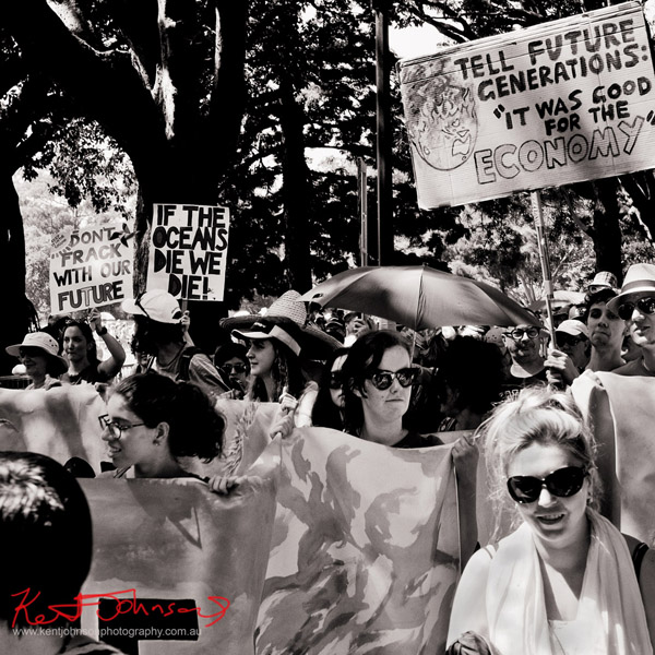 If the oceans die we all die - Sydney, Climate Change March, The Domain, Macquarie Street, Climate Change, Protest, #NoPlanetNoFuture, #PeoplesClimate, #PeoplesClimateMarch, #Sydney,