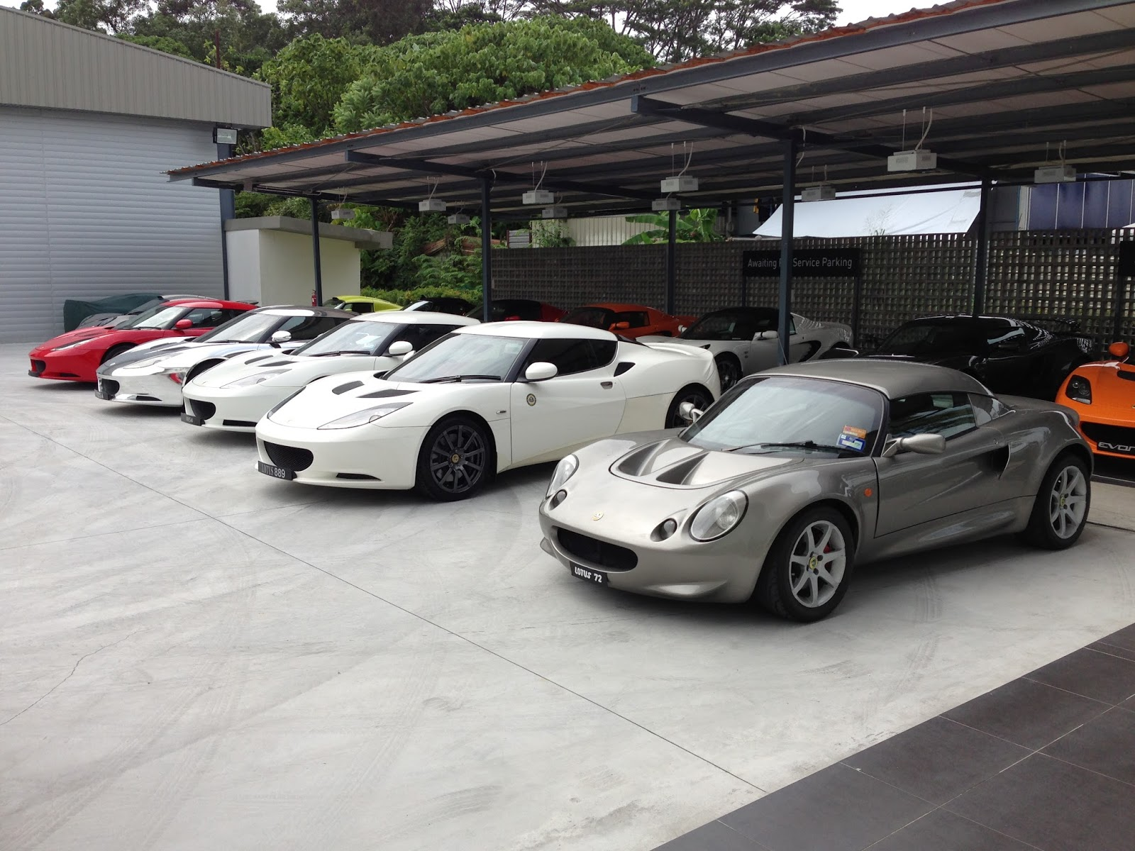 Lotus drive lotus malaysia workshop for Garage auto nice