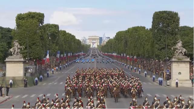 Diễn hành 14/7/2017- Pháp