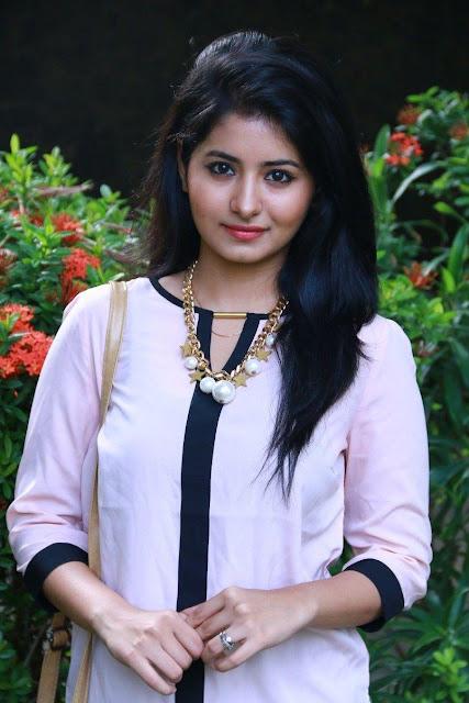 Tamil Actress Reshmi Menon Cute Glamorous Images