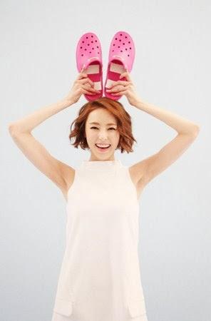 Lee Da Hee Crocs 2014