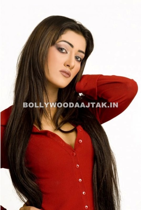, Mathira Hot Pics - Pakistani Actress Mathira Mohammed
