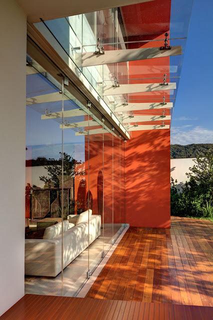 Rumah Kontemporer Gaya Amerika Latin 4