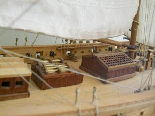 maqueta del barco del corsario frances Robert Surcouf