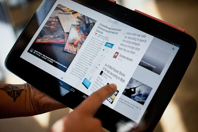 Tablet Android dengan sentuhan jari
