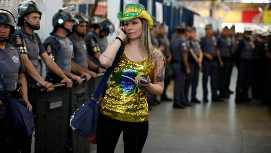 Mujeres desnuda de brasil Nude Photos 82