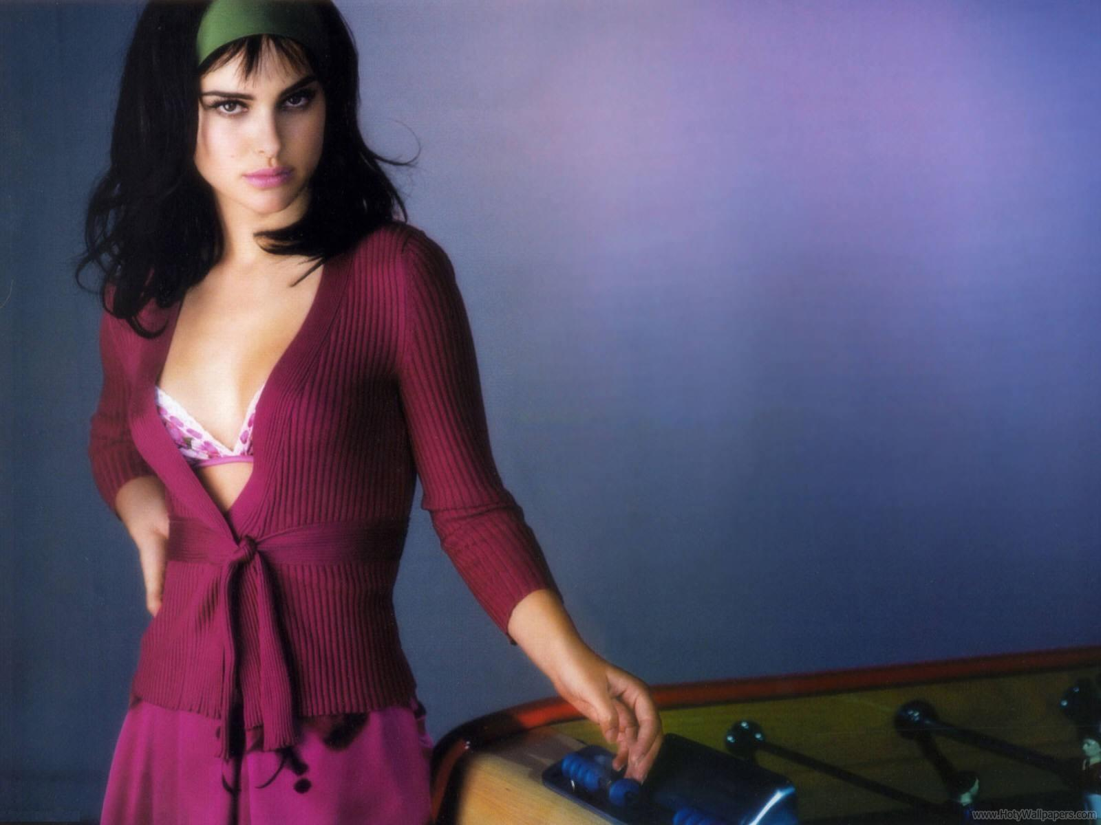 http://4.bp.blogspot.com/-4rcZsgvSCp0/TrQFAbiAOhI/AAAAAAAAOSA/TjLo8EmXU4k/s1600/natalie_portman_actress_wide_wallpaper-04-1600x1200.jpg