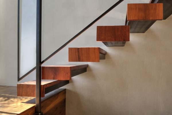la barandilla es un elemento importante a la hora de plantearse el diseo de una escalerame encanta la ausencia de barandillas pero para un uso