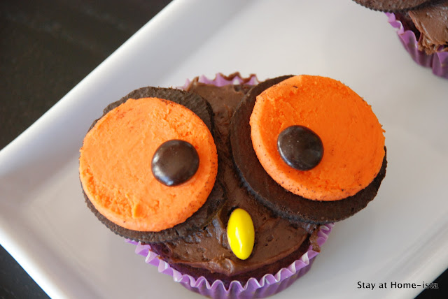 Owl cupcakes with oreo and m&m eyes