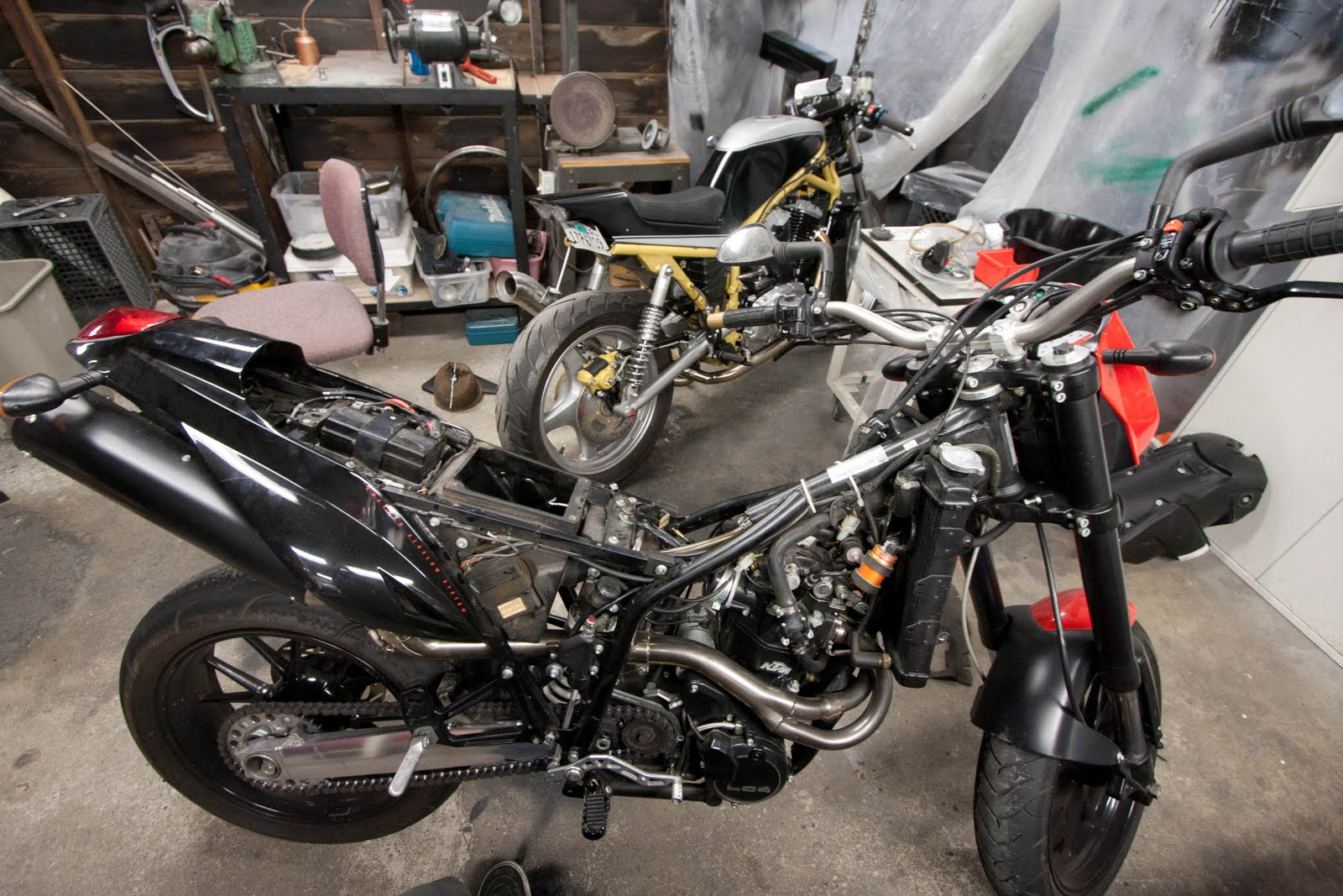Suzuki VX800 Restoration Project: Photos from the past 2 weeks