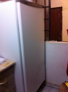 como encapar geladeira com papel contact