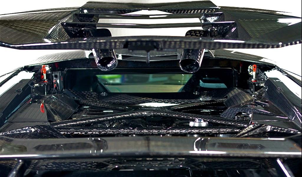 Lamborghini Aventador Carbon GT Engine