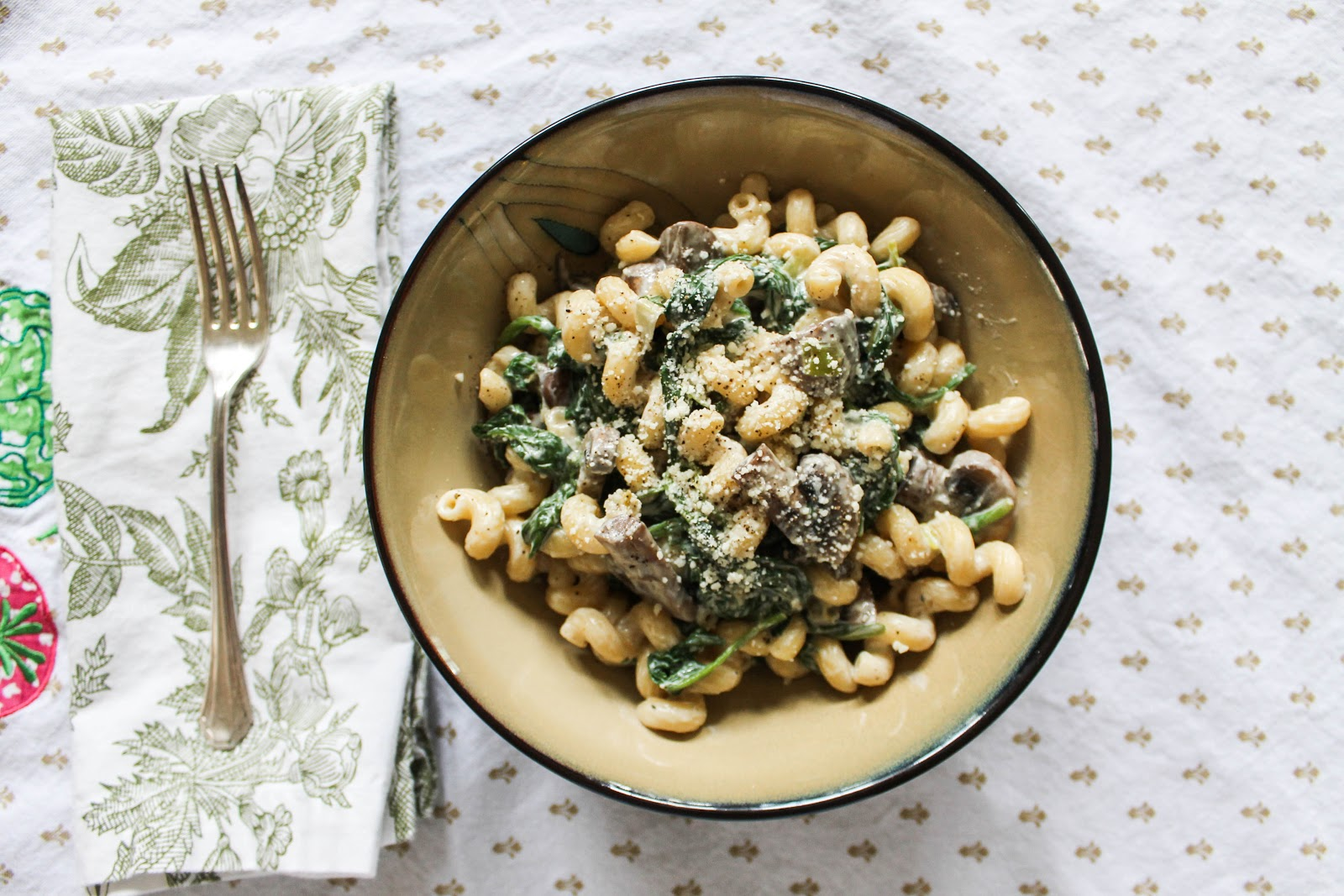 The Quixotic Table: Creamy Chevre Pasta with Spinach and Mushroom