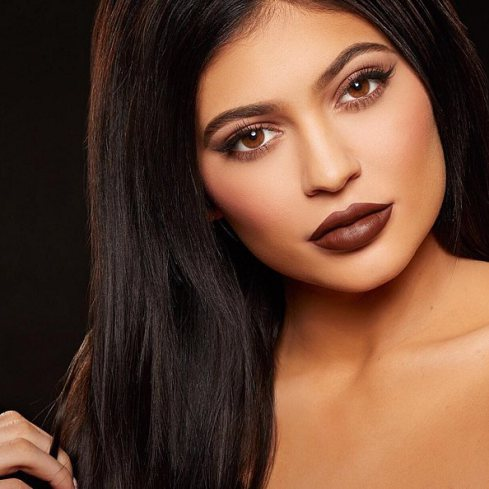 Kylie Jenner, keeping up with the Kardashians, kylie lip kit, Kim kardashian, khloe kardashian, dash dolls, Kylie dating rumors, Sophie David, Sophie David-Mbamara, sophiestylish.blogspot.com,make up, beauty, fashion, top lip colors for the season