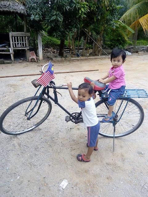 Merdeka Basikal Tua Naila dan Aqil