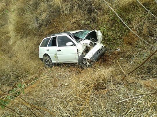 Veiculo capota e mata 4 pessoas no interior do Ceará