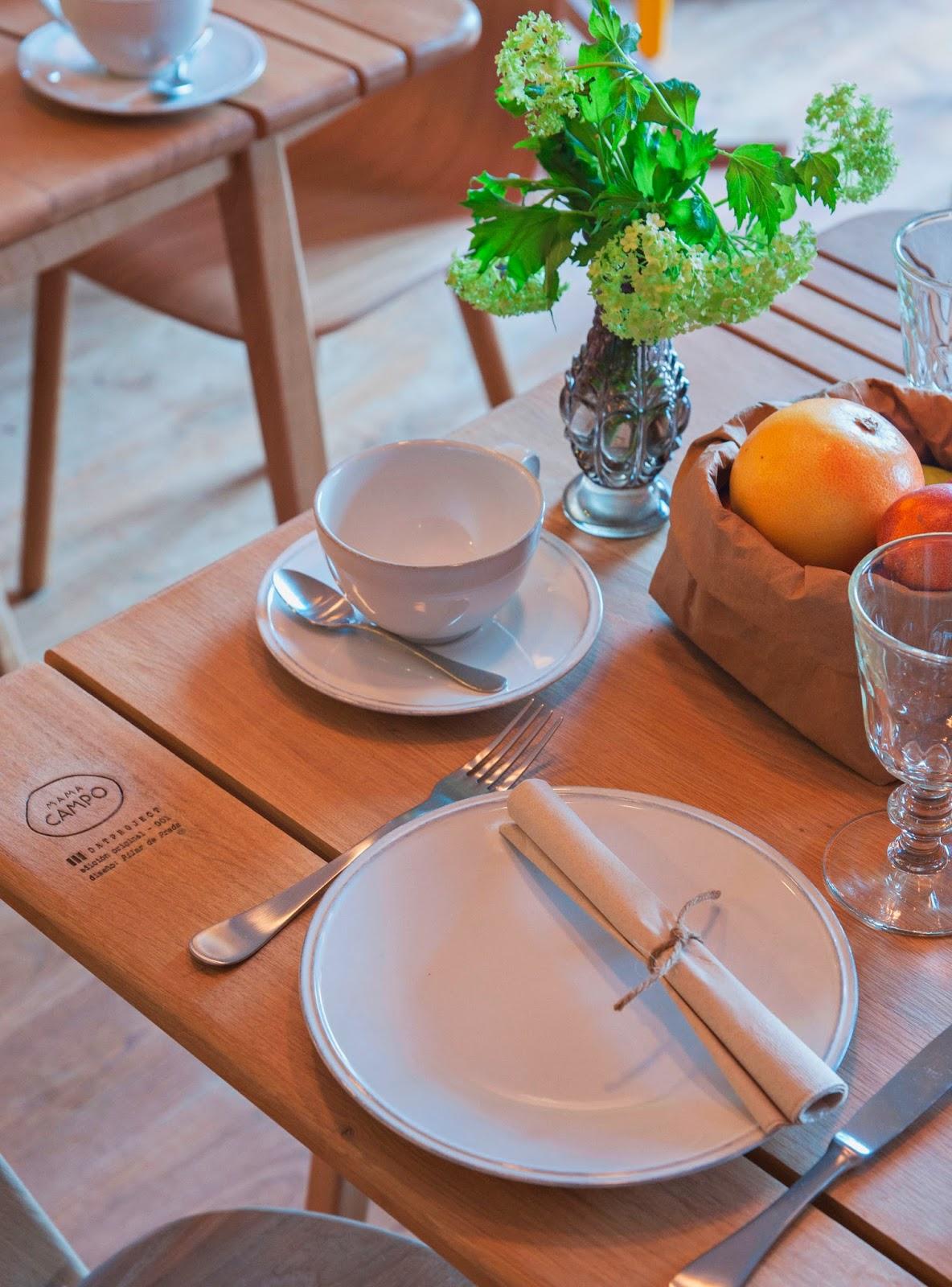 Mama Campo table