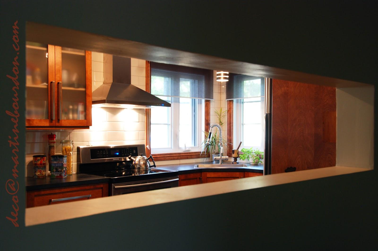 L 39 espace d co un passe plat une cuisine et sa petite for Passe plat mur porteur