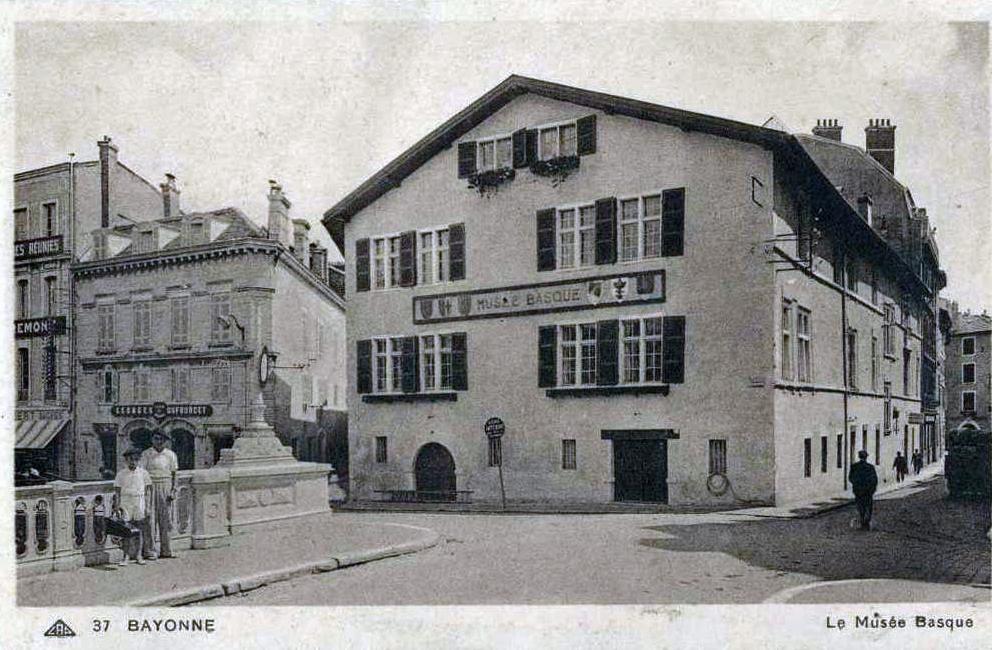 La maison dagourette bayonne for Maison sur bayonne
