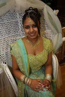 indian girl in shadi lacha down blouse