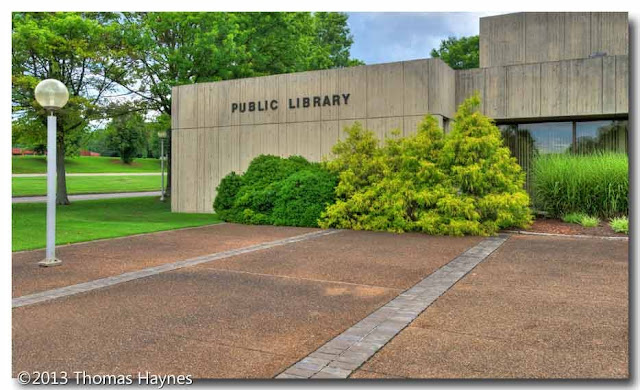 HDR image, Oak Ridge Public Library, Oak Ridge, Tenn.