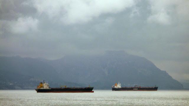 barco marcante en el abra de bilbao 02