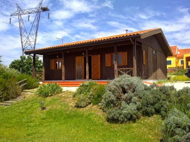 http://www.lardocelar.com/imobiliario/imovel_detalhes.jsp?id=2327496