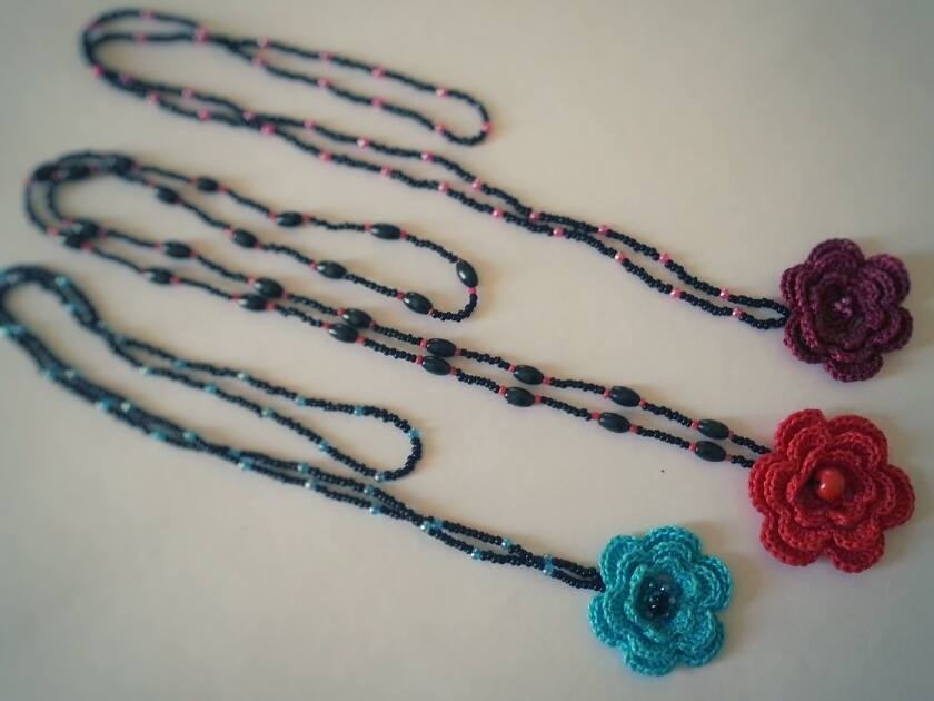 Solo esquemas y diseños de crochet: LINDOS Y FACILES COLLARES!