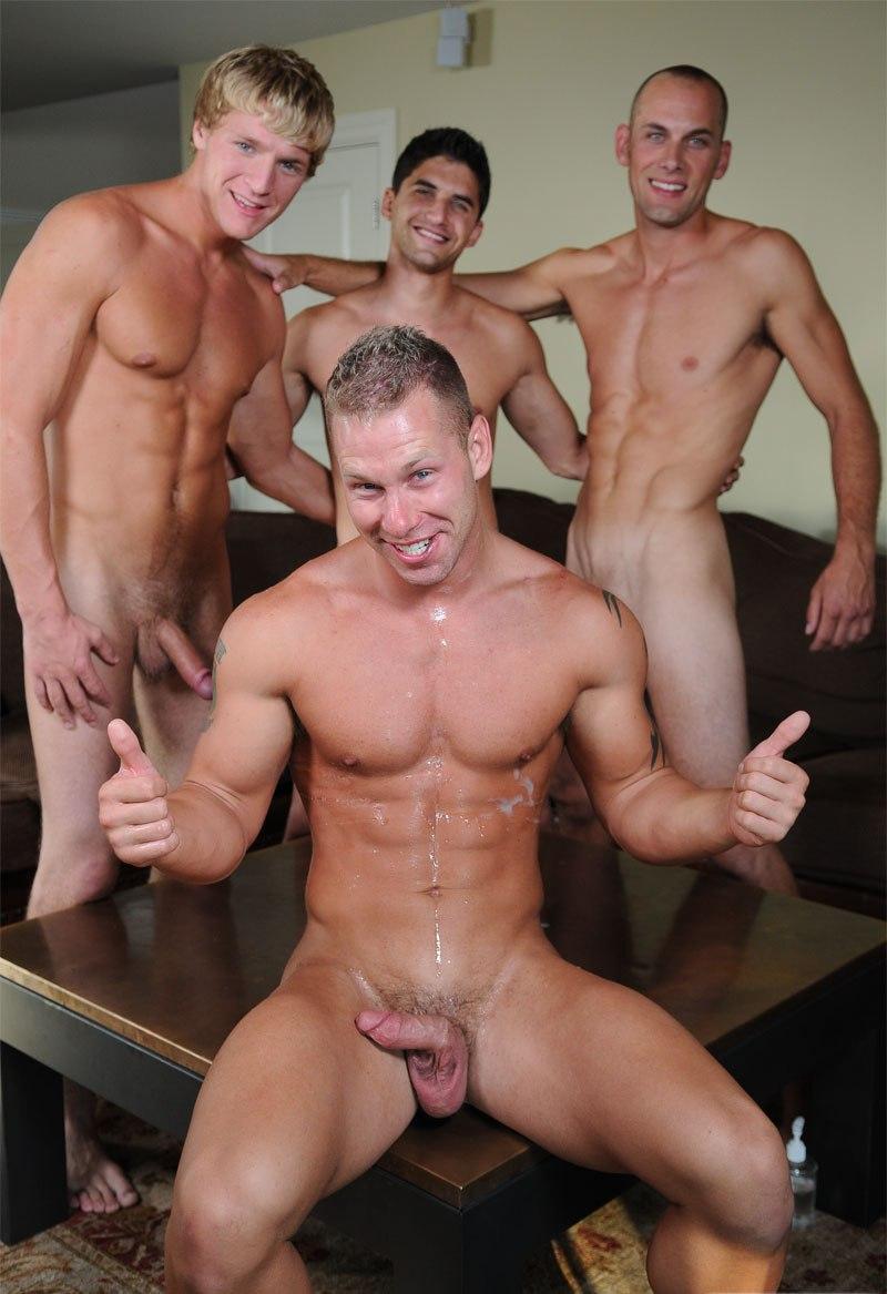 Hombres Desnudos En Grupo