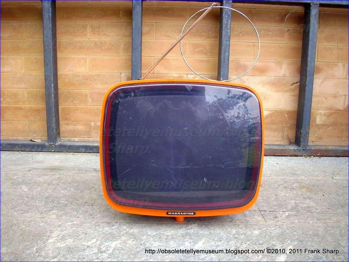 Obsolete Technology Tellye !: MAGNADYNE BE1025AR YEAR 1975.