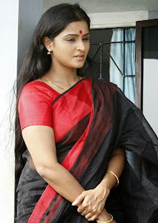 Actress Remya Nambeesan Latest Picture Gallery in Saree 0002.jpg