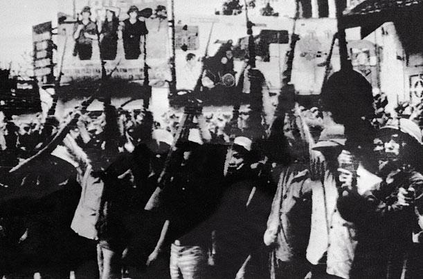 persuasive essay on vietnam war