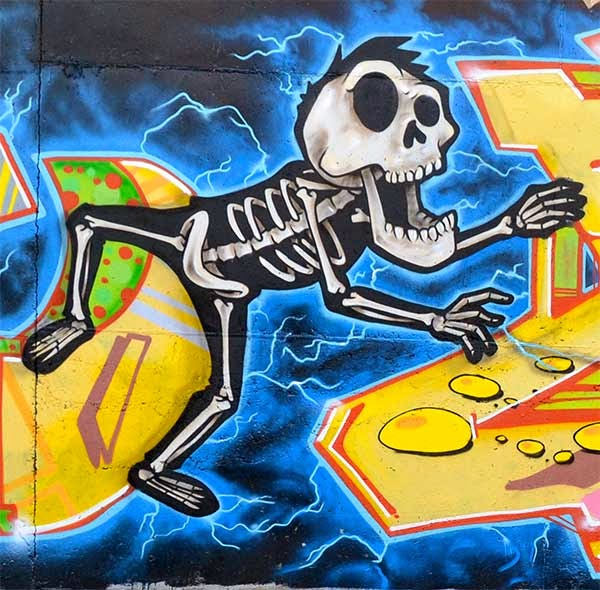 Esqueletos electrocutados por Oliver Jolich