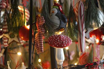 patchspecht weihnachtsbaum mal anders. Black Bedroom Furniture Sets. Home Design Ideas