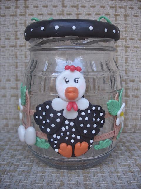 Galinha d´angola, vidro decorado em biscuit