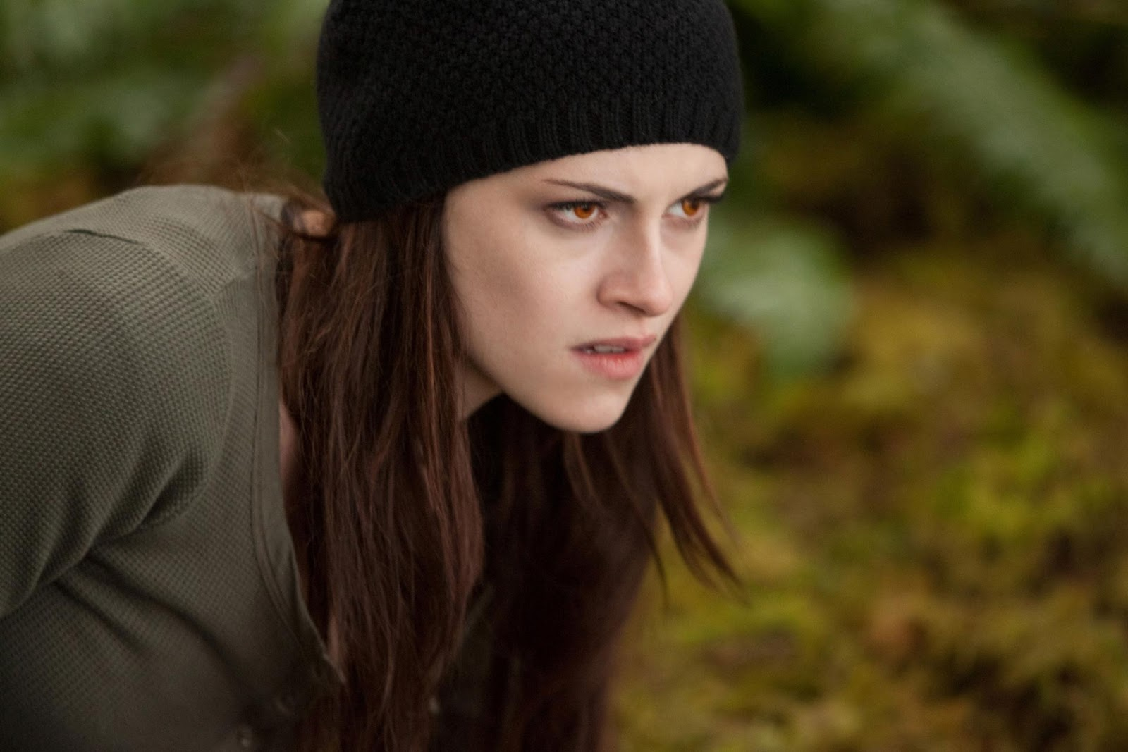 http://4.bp.blogspot.com/-4u_8Mytrhak/UKbji7_YbEI/AAAAAAAAHNY/hyFqANb7dis/s1600/Twilight-Breaking-Dawn-Part-2_08.jpg