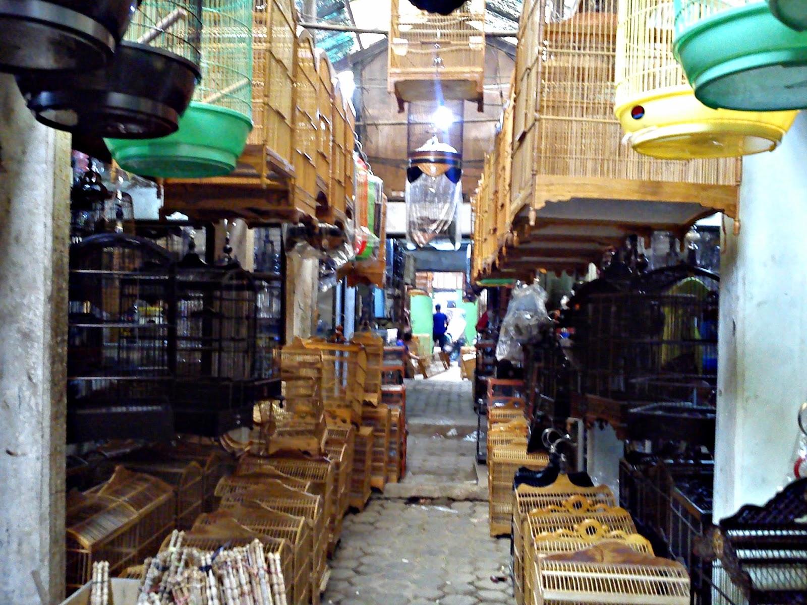 Pasar Burung Sukahaji, Bandung.