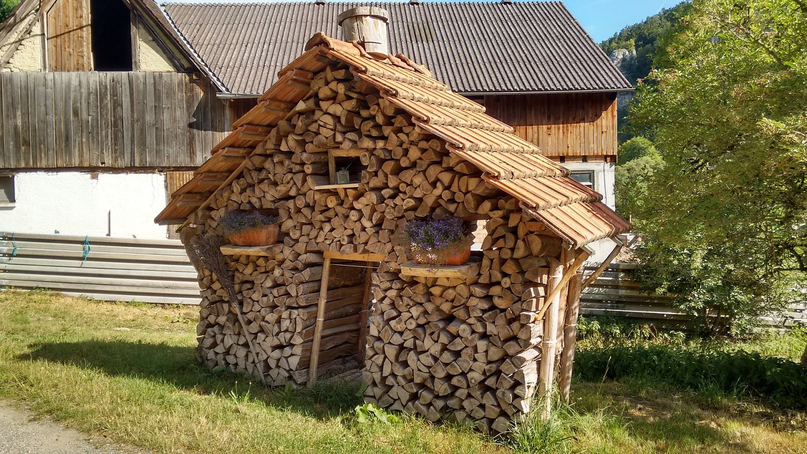 ... Donu0027t Have A Designated Shed Or Outhouse For Them, Hereu0027s Five Creative  Ways To Store Your Wood Burning Logs, Including Some Weird And Wacky Ones  Too. Home Design Ideas