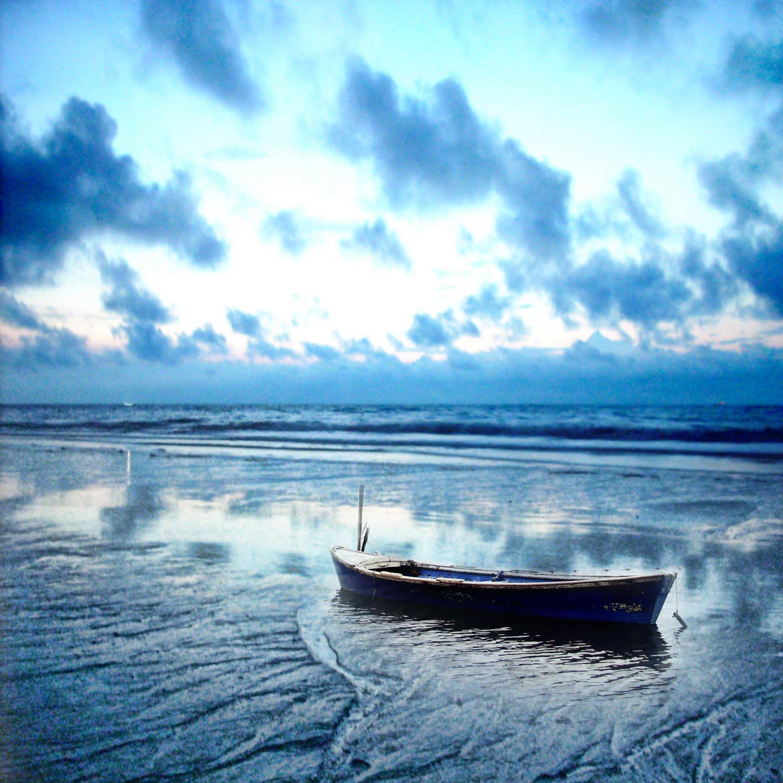 那是一段不能忘记的回忆,(nà shi yī duàn bù néng wàng jì dí huí yì) - That is an unforgettable memory 心灵的顾忌无从抛弃。(xīn líng dí gù jì wú cóng pāo qì) - does not have the heart to abandoned it