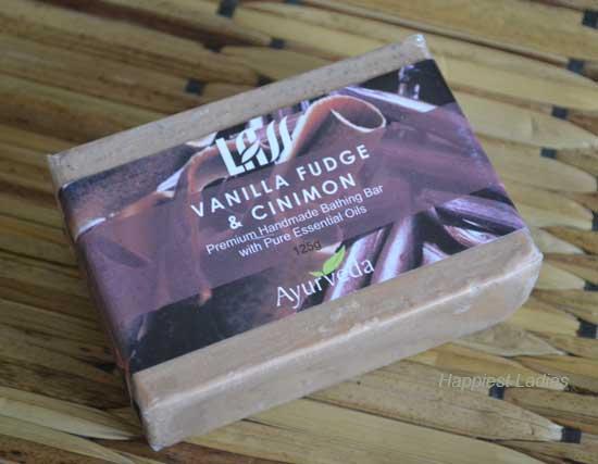 Lass-Naturals-Vanilla-Fudge-and-Cinimon-Hand-Made-Bathing-Bar-+-Natural-soaps