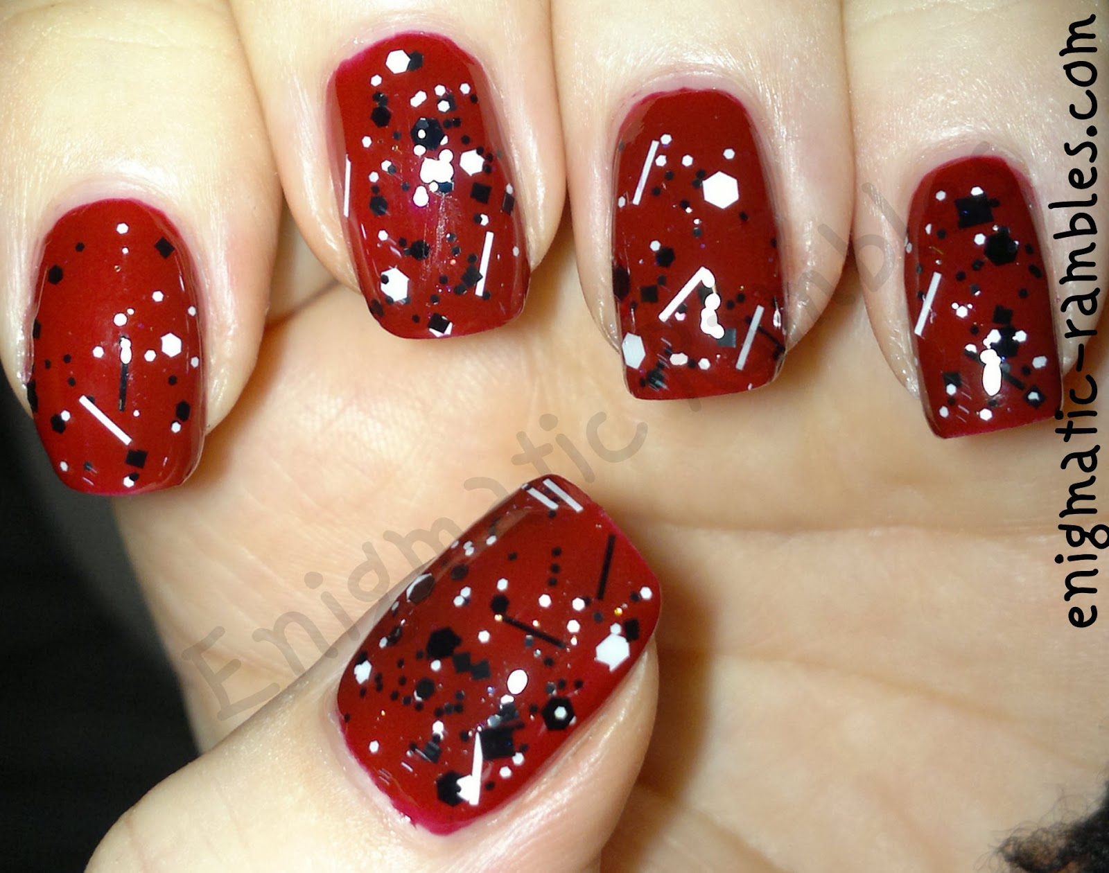 elf-eyes-lips-face-medium-red-sticks-n-stones-ninja-polish-coverband