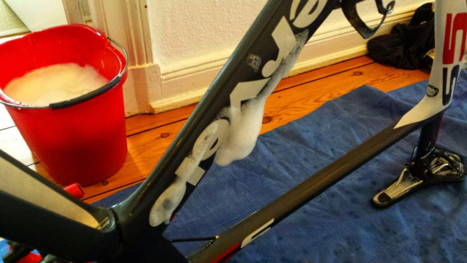 lousy legs der rennrad blog faszination radsport das rennrad richtig putzen glaubensfrage. Black Bedroom Furniture Sets. Home Design Ideas
