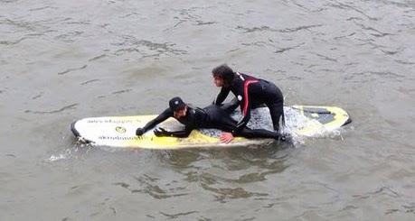 surfeando en el urumea tandem+(3)